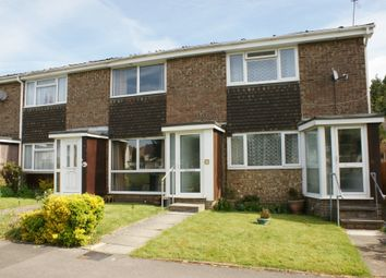 2 bed terraced house to rent in Plovers Way, Alton GU34
