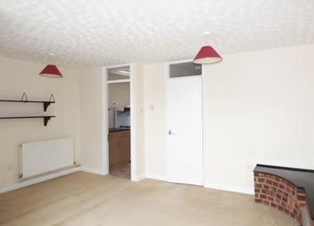 Thumbnail 2 bed flat to rent in Berkshire Road, Camberley
