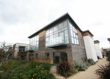 Thumbnail 2 bedroom flat to rent in Park Terrace, Newbury