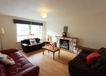 Thumbnail 3 bedroom flat to rent in Dumbiedykes Road, Holyrood