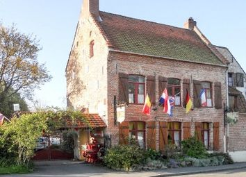 Thumbnail Pub/bar for sale in Huby-St-Leu, Pas-De-Calais, France