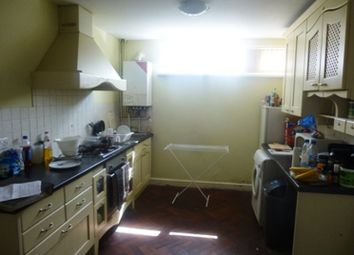 Thumbnail 2 bed flat to rent in Newport Road, Roath, South Glamorgan