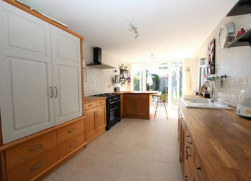 Verdon Avenue, Hamble, Southampton SO31. 2 bed semi-detached house