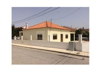 Thumbnail 2 bed detached house for sale in Alhos Vedros, Alhos Vedros, Moita