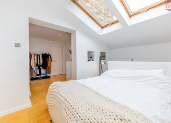 2 bed mews house for sale in Muswell Hill, London N10