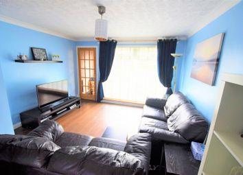 Thumbnail 2 bed flat for sale in Cramond Avenue, Renfrew