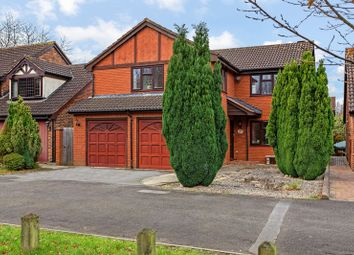 Thumbnail 5 bed detached house for sale in Copthorne, Luton