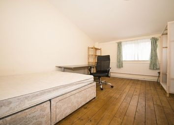 Thumbnail Room to rent in Ray Walk, London