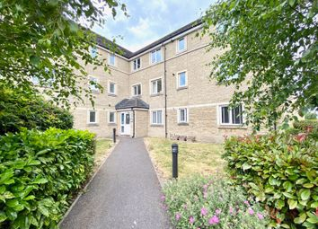 Thumbnail Flat to rent in Harrier Close, Calne