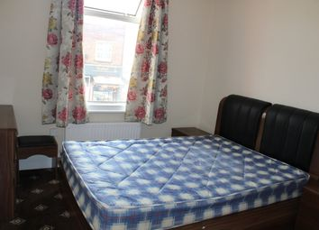 Thumbnail 3 bed flat to rent in St Johns Road, Isleworth