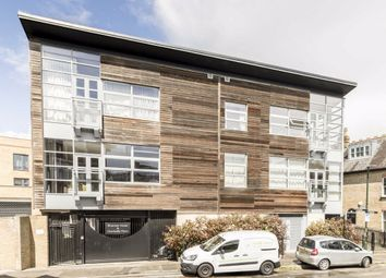 Thumbnail 2 bed flat to rent in Railshead Road, Isleworth