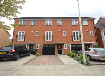 Thumbnail 4 bed town house to rent in Havergate Way, Reading