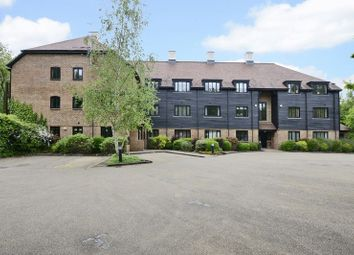 Thumbnail 2 bed flat for sale in Springwell Lane, Rickmansworth