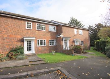 2 bed maisonette to rent in Little Orchard Close, Pinner HA5