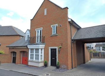 Thumbnail 3 bed link-detached house for sale in Calcroft Avenue, Greenhithe