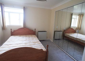 Thumbnail 2 bed flat to rent in Bourneside Crescent, London