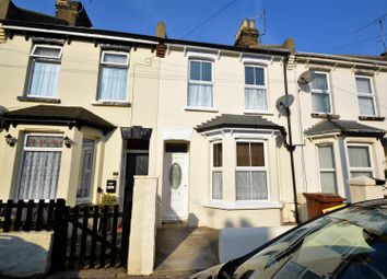 3 bed property to rent in Tennyson Road, Gillingham ME7