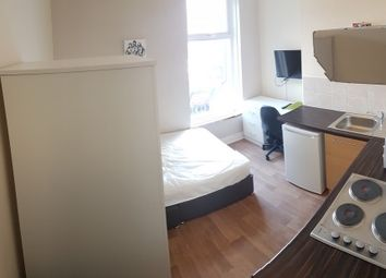1 bed flat to rent in Renters Avenue, Hendon, London NW4