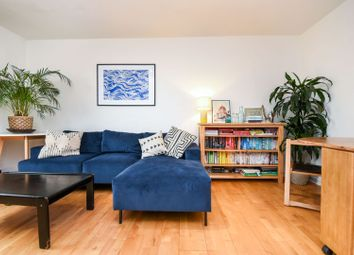 Wandsworth Road, London SW8. 2 bed flat for sale