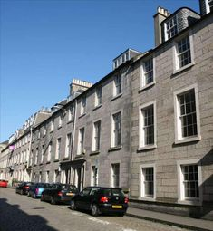 Thumbnail Serviced office to let in Hill Street, New Town, Edinburgh