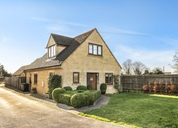3 bed detached house for sale in Carterton, Oxfordshire OX18