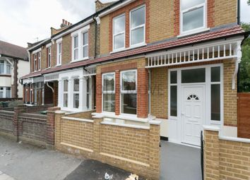 4 bed property to rent in Ashley Road, Chingford, London E4