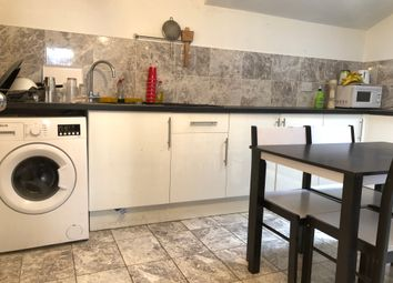 Thumbnail 5 bed town house to rent in Commercial Road, London