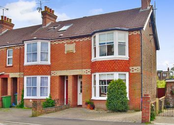 Thumbnail 3 bed property to rent in Kempshott Road, Horsham