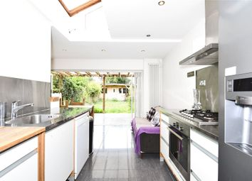 Thumbnail 4 bed town house to rent in New Road, Reading, Berkshire