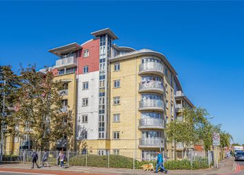 Thumbnail 2 bed flat to rent in The Pinnacle, Kings Road, Reading, Berkshire