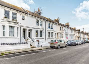 Thumbnail 2 bedroom flat for sale in Goldstone Road, Hove