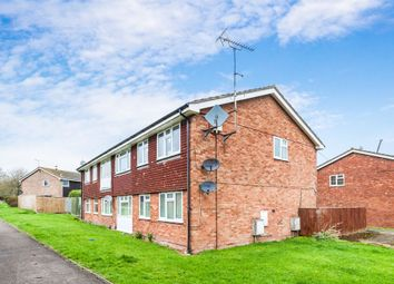 Thumbnail 2 bed flat for sale in Castle Walk, Didcot