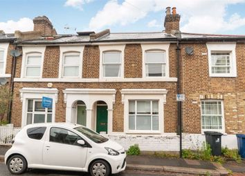 3 bed end terrace house to rent in Grove Place, London W3