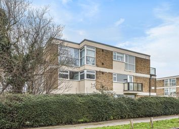 Lower Sunbury, Middlesex TW16. 1 bed flat for sale