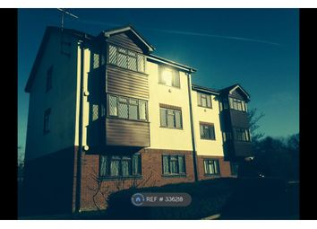 Thumbnail 2 bed flat to rent in Groves Close, Bourne End