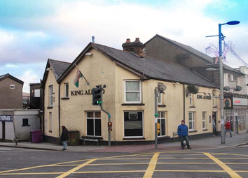 Thumbnail Pub/bar for sale in Mid Glamorgan - Town Centre Freehouse CF34, Mid Glamorgan