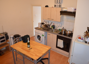 Thumbnail 1 bed flat to rent in Oldhill Street, London, Stoke Newigton