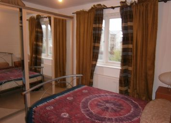 Thumbnail Room to rent in Grand Union Villiage, Northolt