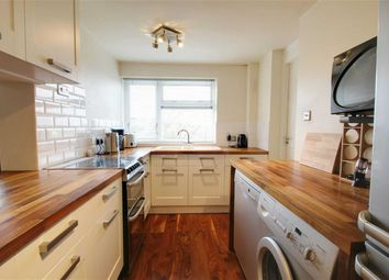 Thumbnail 2 bed flat to rent in Hilltop Road, Berkhamsted