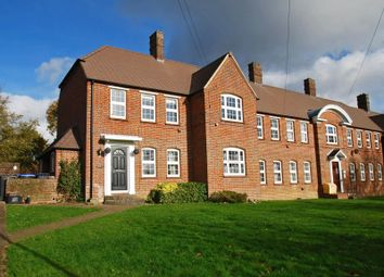 Hedgerley Lane, Beaconsfield HP9. 2 bed flat for sale
