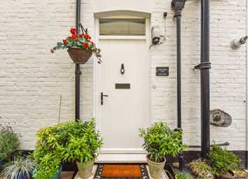 Thumbnail 1 bed flat for sale in Farnham Road, Liss