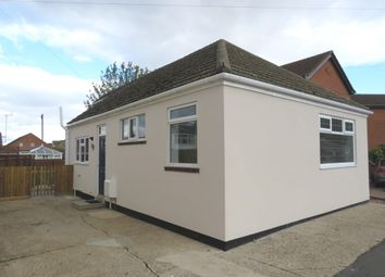 Thumbnail 2 bedroom detached bungalow for sale in Bridge Road, Sutton Bridge, Spalding