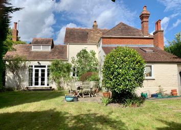Albany Crescent, Claygate, Esher KT10. 4 bed detached house