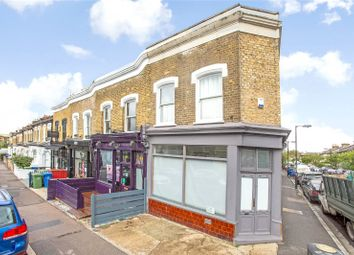 2 bed flat to rent in North Cross Road, London SE22