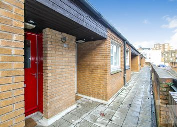 Thumbnail 1 bed maisonette to rent in Lockhart Close, Hoxton