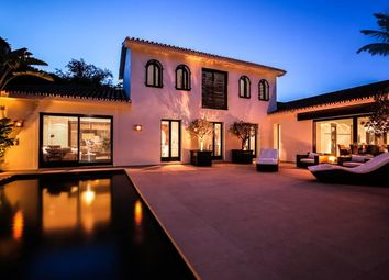 Thumbnail 4 bed villa for sale in Los Monteros, Marbella, Málaga, Andalusia, Spain
