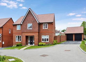 Thumbnail 5 bed detached house to rent in Meadowbrook, Woolton Hill, Newbury