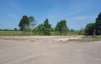 Light industrial to let in Yard Space At Alden Farm, Aldens Lane, Upton, Didcot OX11