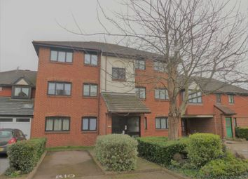 Thumbnail 2 bedroom flat to rent in Trinity Road, Gravesend