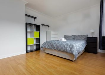 Thumbnail 3 bedroom shared accommodation to rent in Alfred Street, London